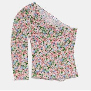 Zara floral puff asymmetrical top